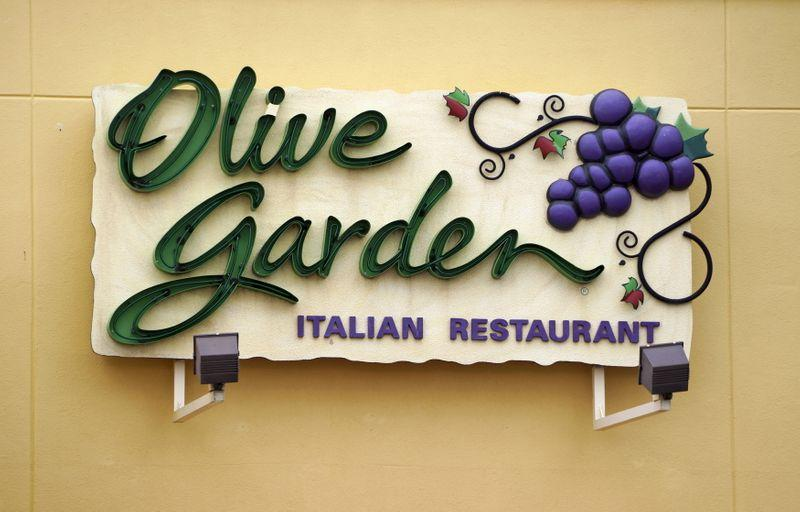 Olive Garden Parent Darden Sued By Workers' Group Over Tipping