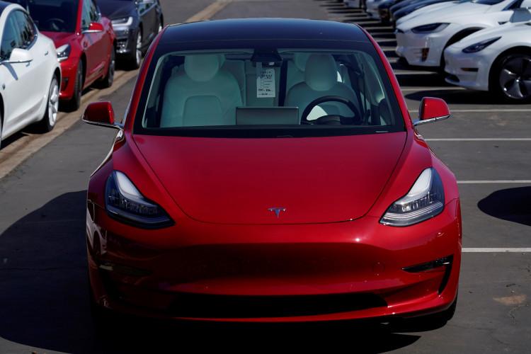 Robotaxi Fleet Rolling Out Soon? Tesla Opens Door For Ride ...