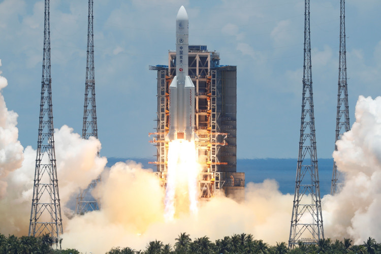 The Long March 5 Y-4 rocket, carrying an unmanned Mars probe of the Tianwen-1 mission