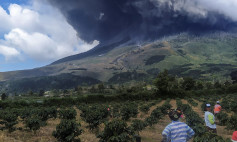 Mount Sinabung spews volcanic ash in Karo