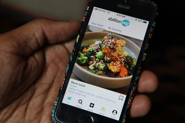 A mobile phone app that reviews vegetarian and vegan dishes