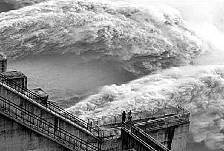Massive water discharge from three Gorges Dam
