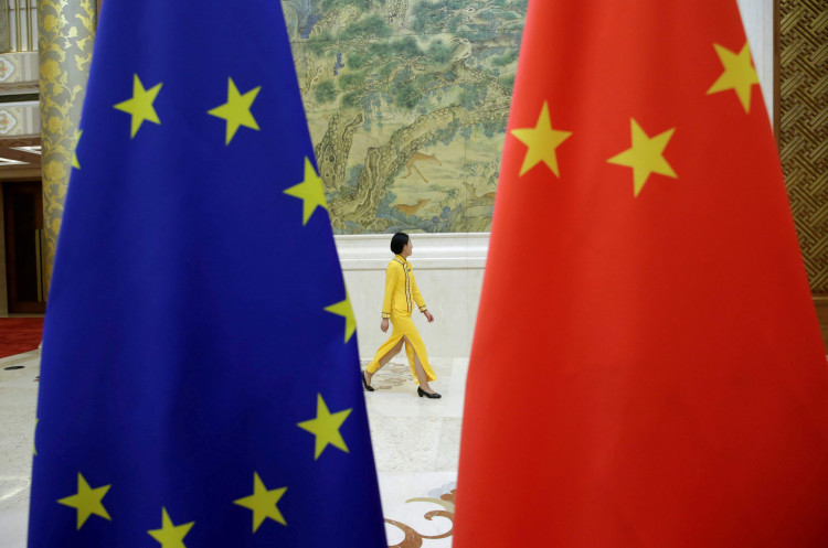 European Union and Chinese Flags