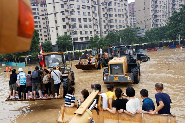 CONSTRUCTION EQUIPMENT TO THE RESCUE