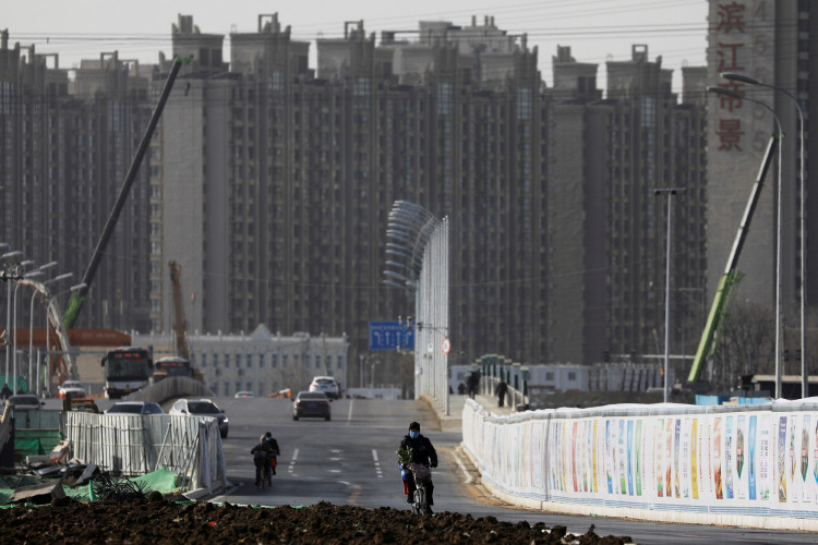 Building default fears pummel Chinese property firms