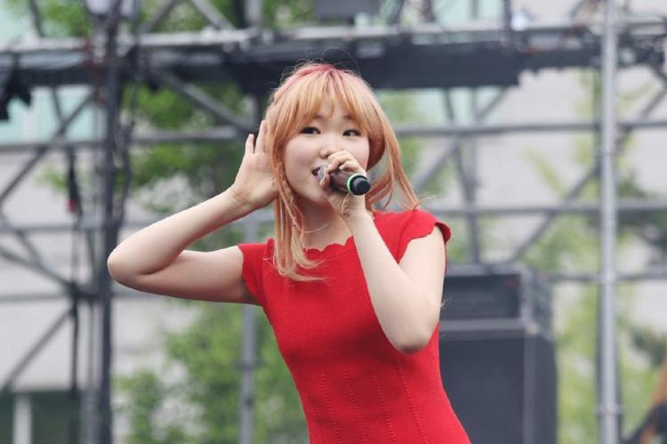 AKMU Member Lee Suhyun